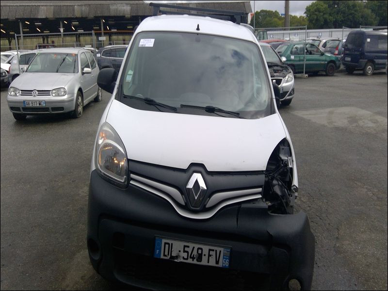 RENAULT KANGOO II 27-10-2014 accidentée